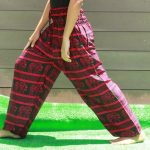 Celana Motif Gajah Merah