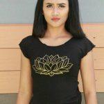 Tshirt Lotus Hitam